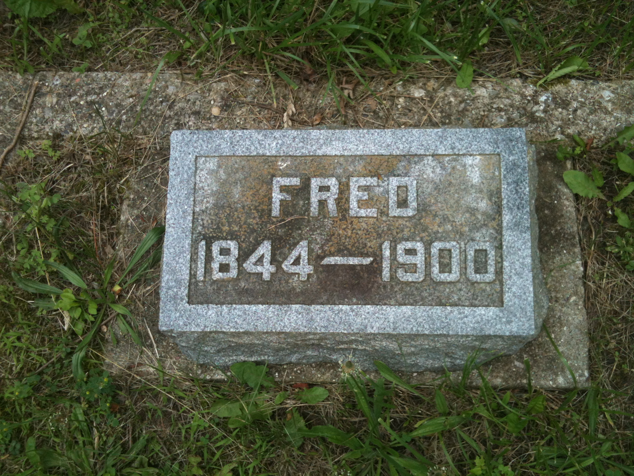 Fred's headstone